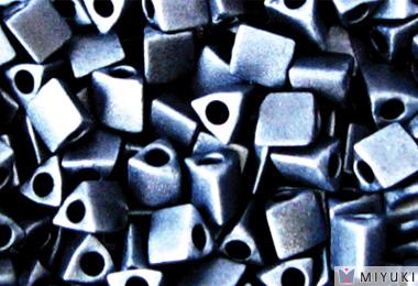 MIYUKI Co.,ltd. SeedBeads Sharp Triangle Beads